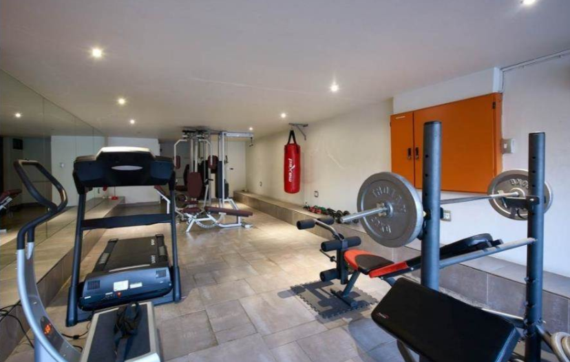 4 Bedroom Apartment / Flat To Rent in Strathavon