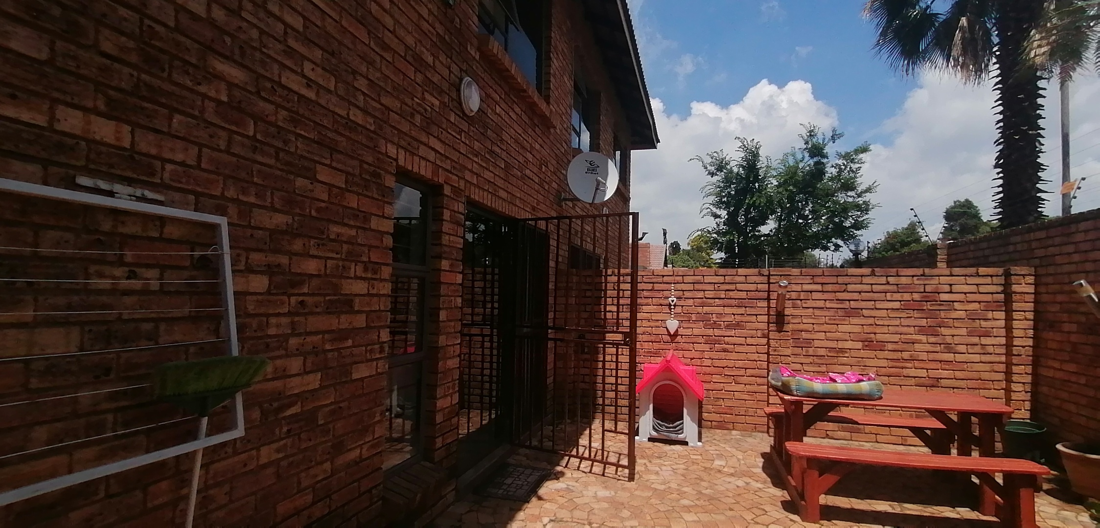 2 Bedroom Townhouse For Sale in Brackenhurst
