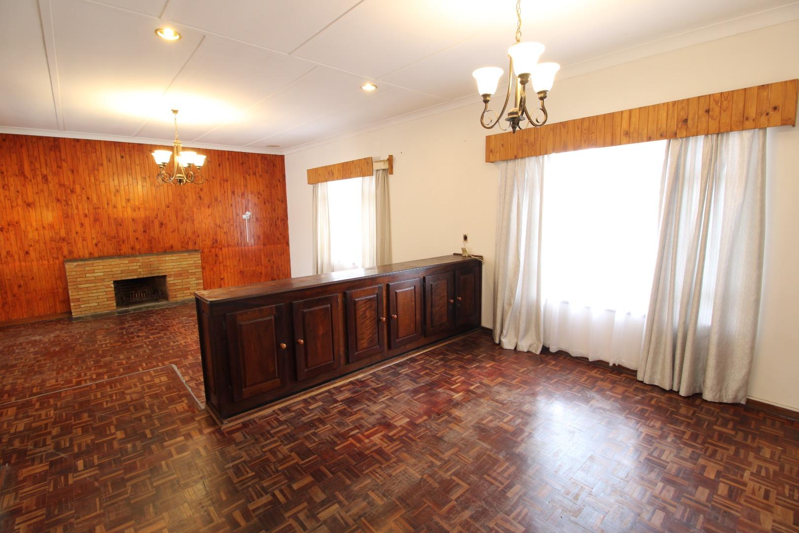 4 Bedroom House For Sale in Potchefstroom Central