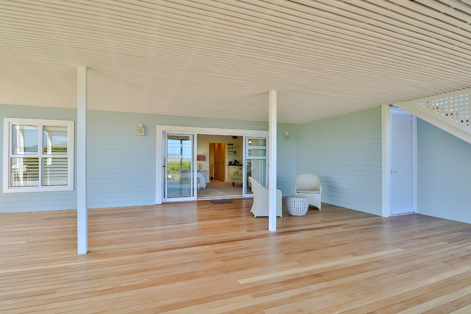 5 Bedroom House For Sale in Cola Beach