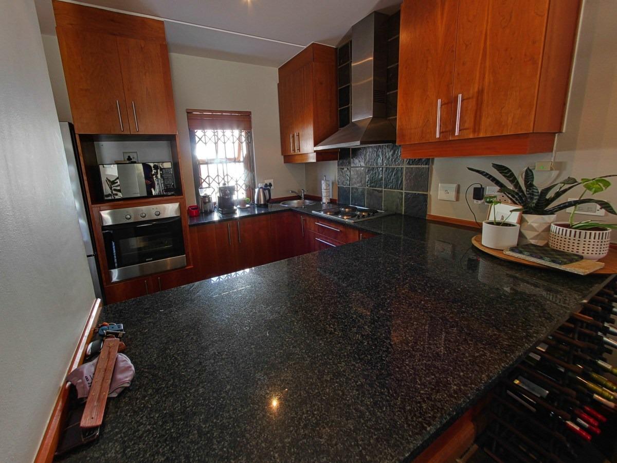 2 Bedroom Townhouse For Sale in Stellenbosch Central
