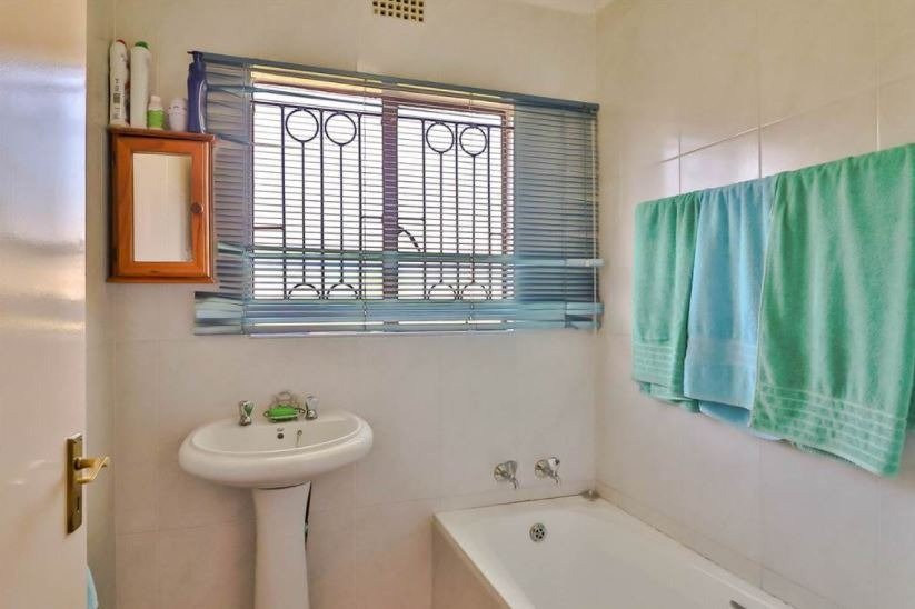 3 Bedroom House For Sale in Brackenhurst