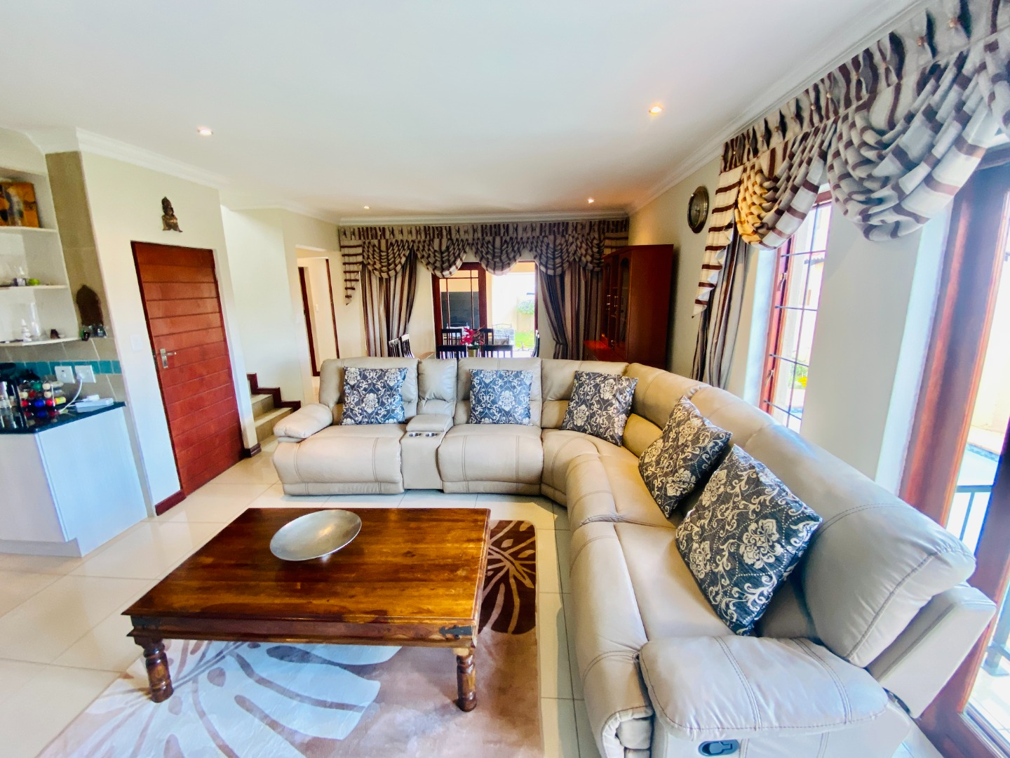 4 Bedroom House For Sale in Thatchfield Hills