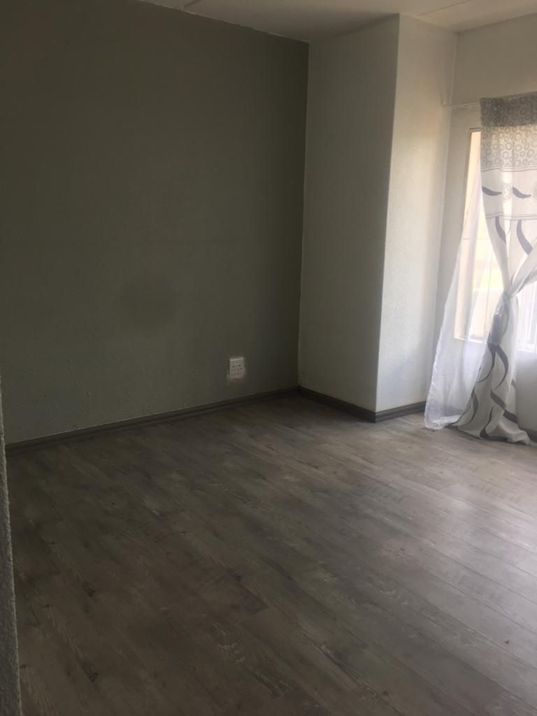 2 Bedroom Townhouse To Rent in Ruimsig