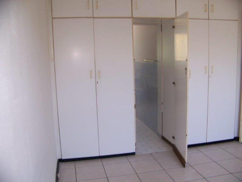 3 Bedroom Townhouse For Sale in Table View