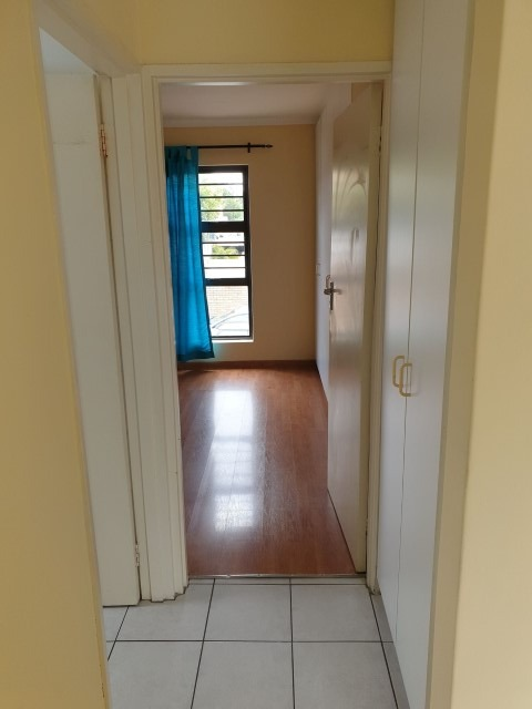 2 Bedroom Apartment / Flat For Sale in Oakglen