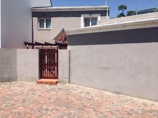 3 Bedroom Townhouse To Rent in Costa Sarda