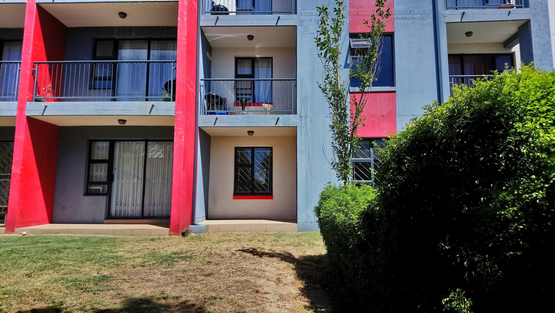 2 Bedroom Apartment / Flat For Sale in Buhrein