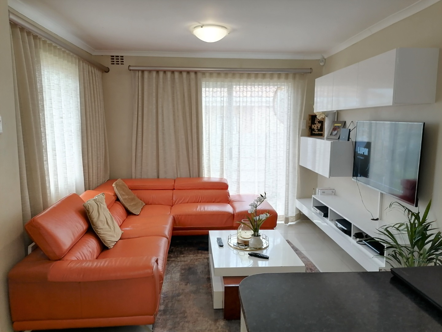 3 Bedroom Townhouse For Sale in Amalinda