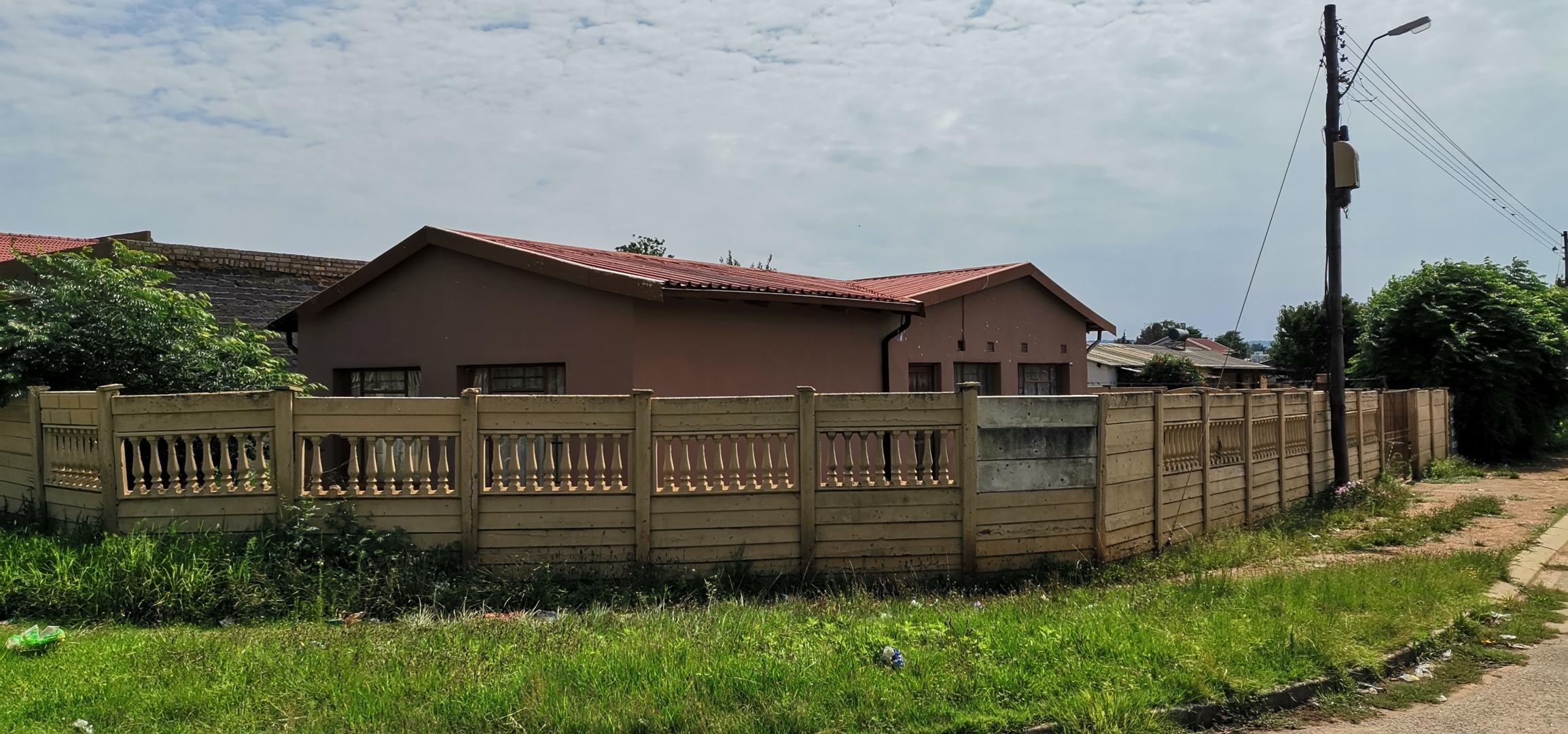 3 Bedroom House For Sale in Eldorado Park