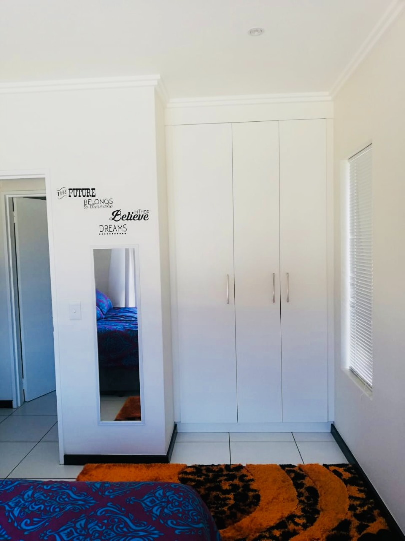 1 Bedroom Apartment / Flat To Rent in Barbeque Downs