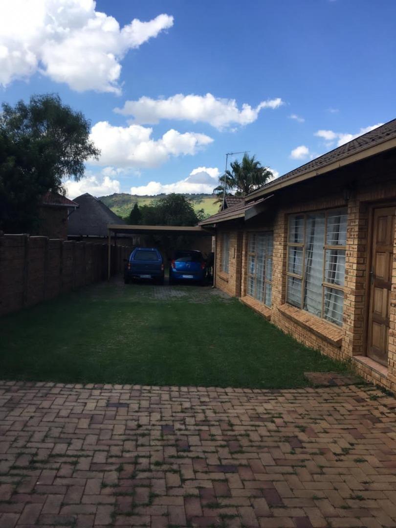 3 Bedroom House For Sale in Glenvista