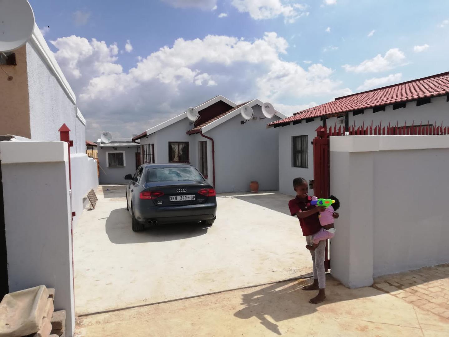 3 Bedroom House To Rent in Birch Acres