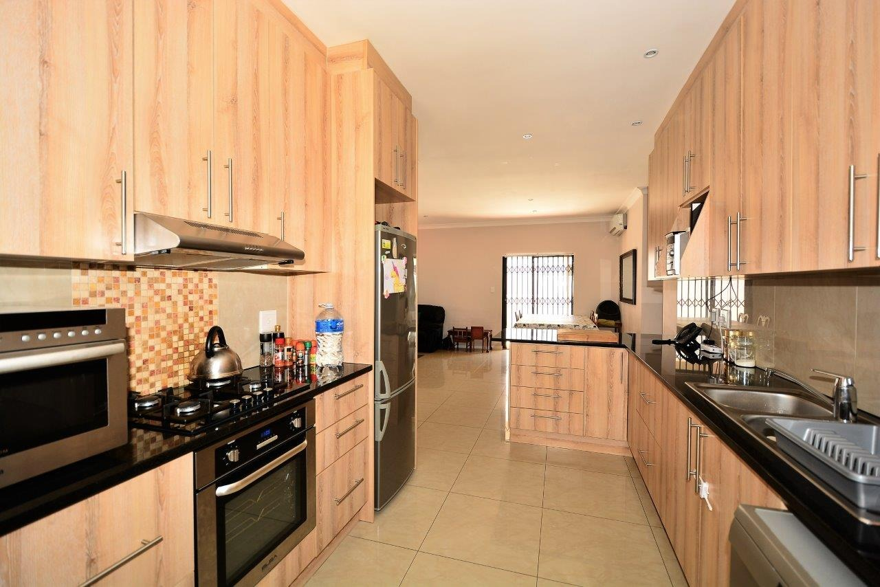 4 Bedroom House For Sale in Parklands North