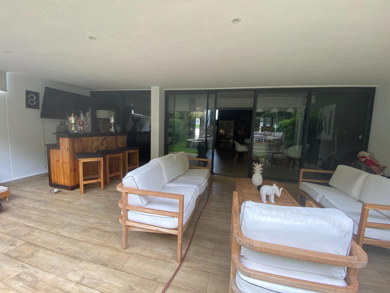 3 Bedroom Townhouse For Sale in Roche Noire