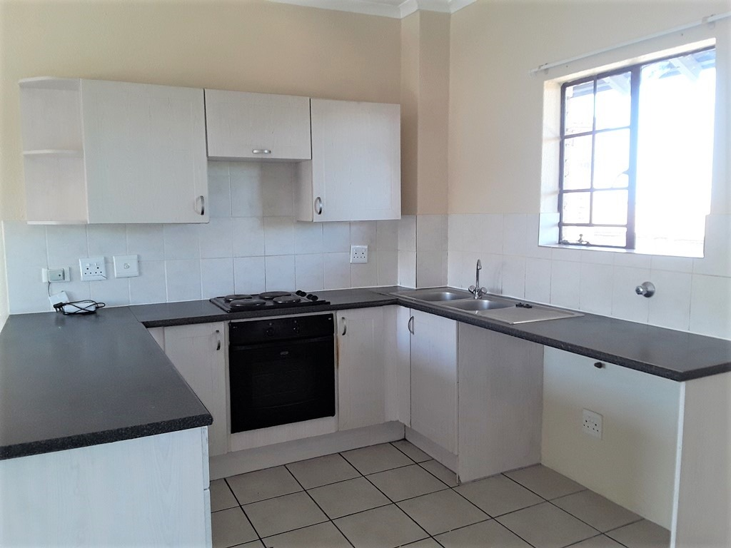 2 Bedroom Apartment / Flat To Rent in Halfway House