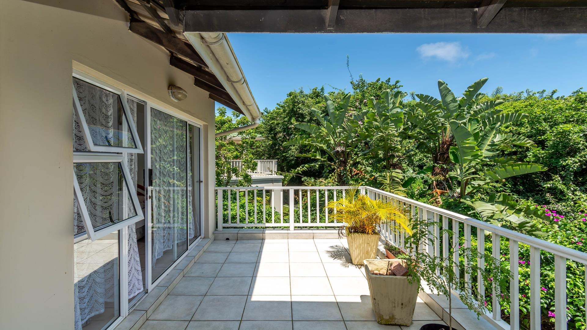 2 Bedroom Apartment / Flat For Sale in Ballito Central