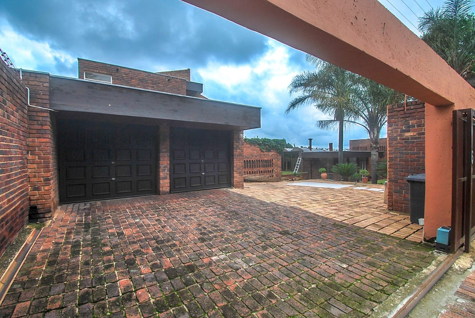 5 Bedroom House For Sale in Quellerina