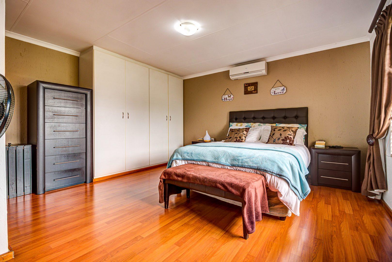 3 Bedroom House For Sale in Glen Marais