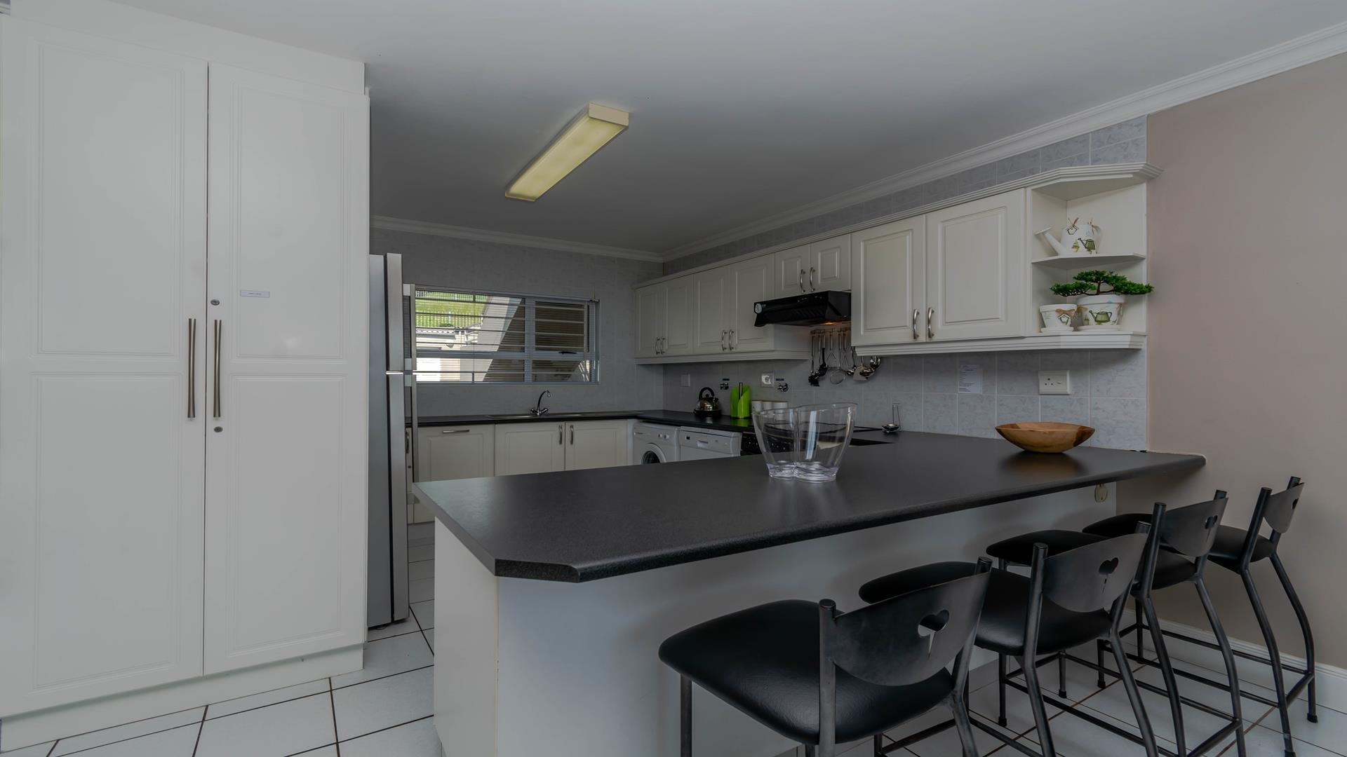 4 Bedroom Apartment / Flat For Sale in Ballito Central