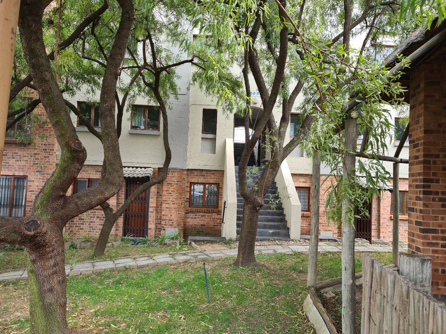 1 Bedroom Apartment / Flat For Sale in Randpark Ridge