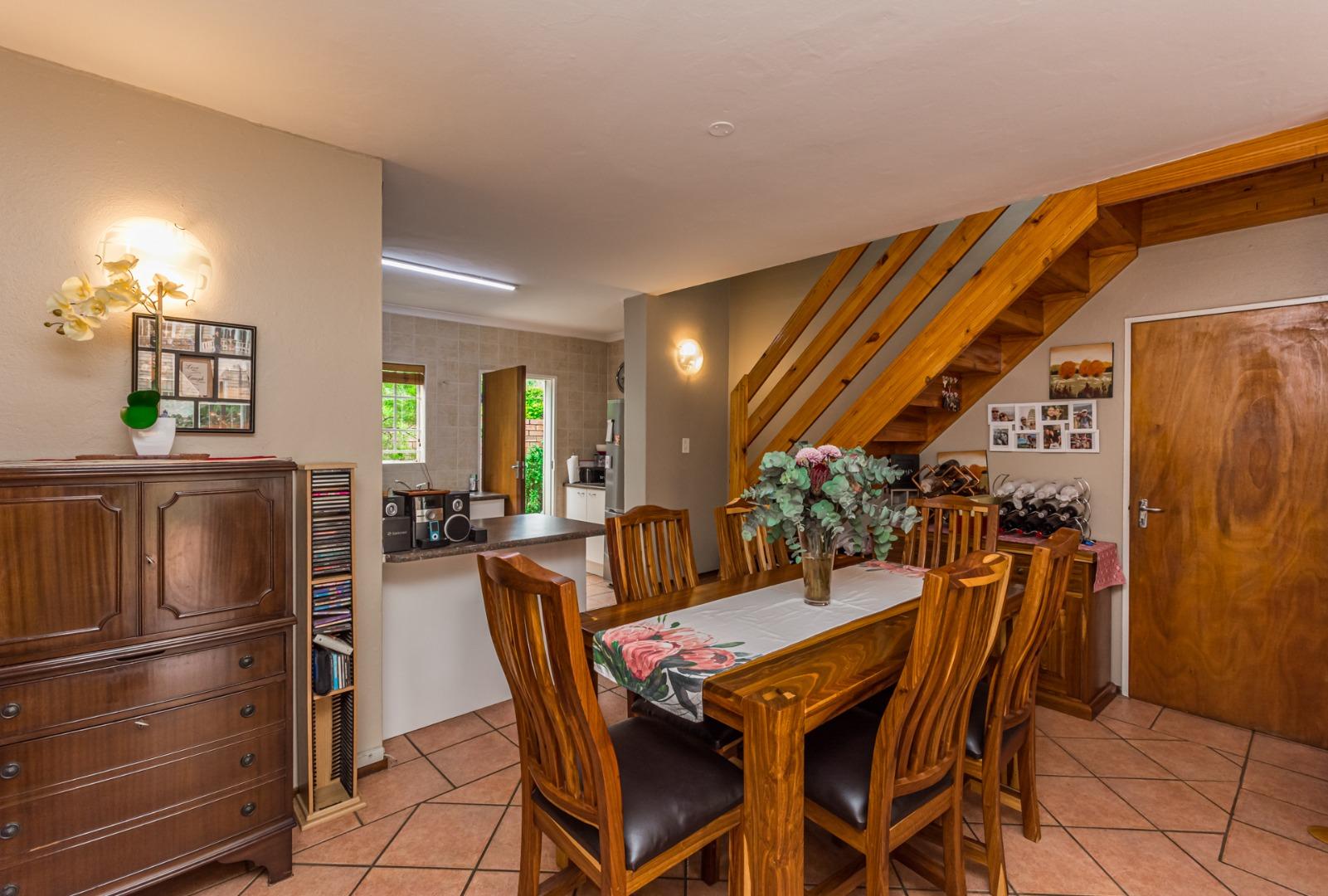 4 Bedroom Townhouse For Sale in Randpark Ridge