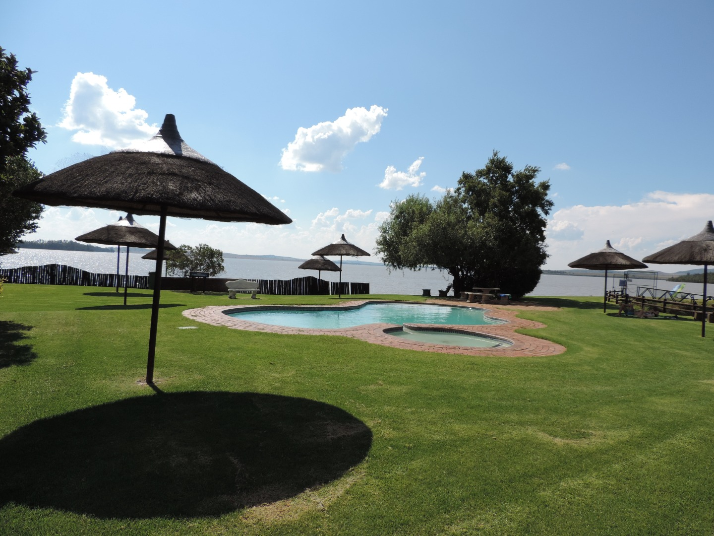 3 Bedroom Townhouse For Sale in Vaal Marina
