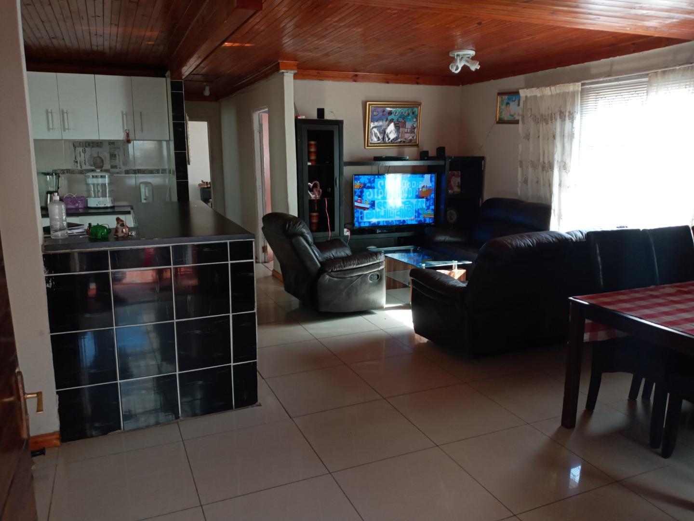 5 Bedroom House For Sale in Tafelsig