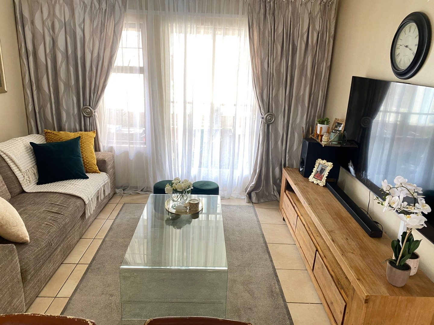 2 Bedroom Apartment / Flat To Rent in Kosmosdal