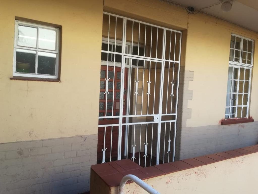 2 Bedroom Apartment / Flat For Sale in Yeoville