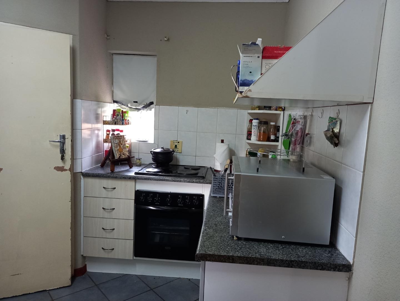 2 Bedroom Townhouse For Sale in Eldoraigne