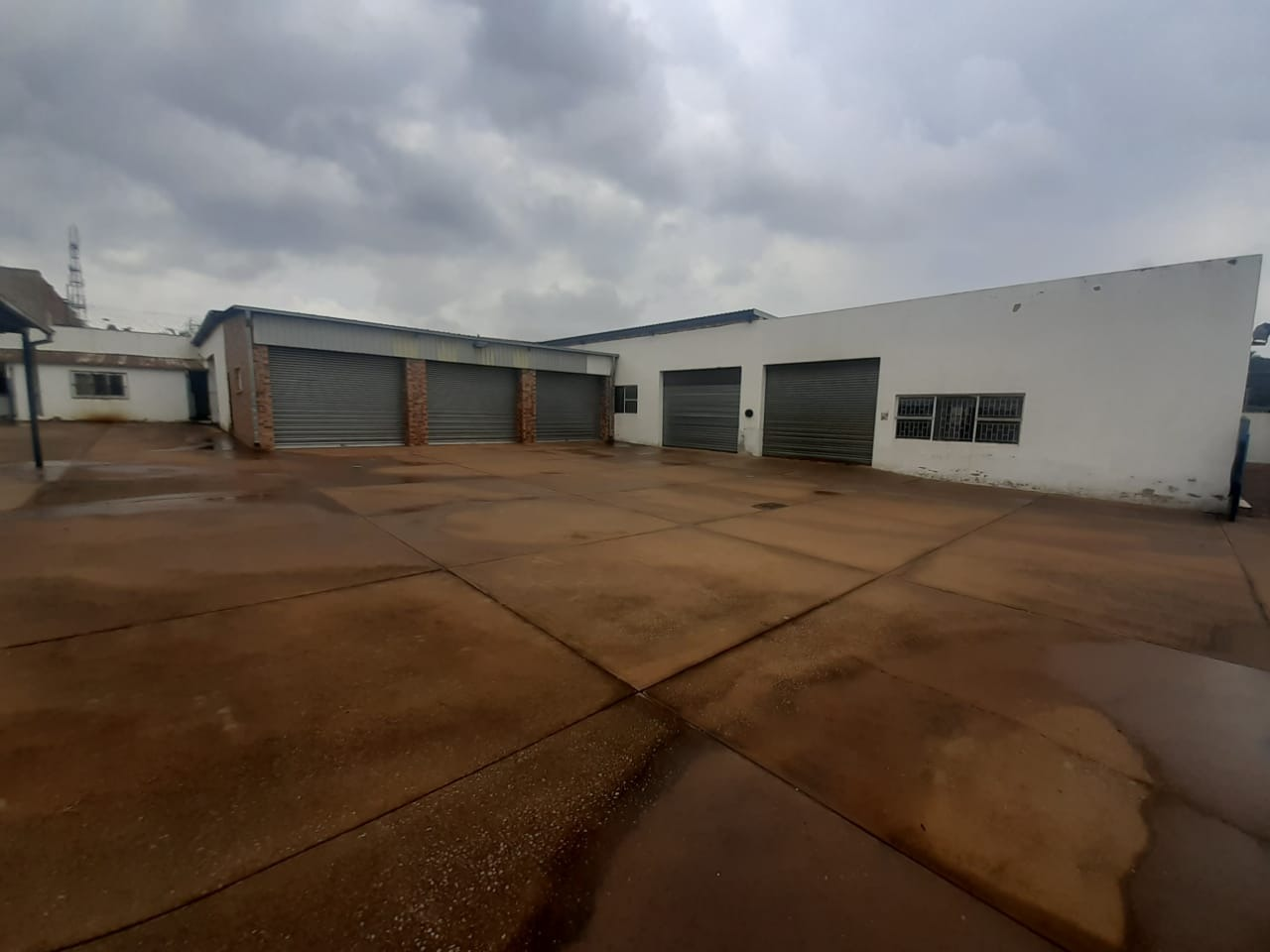 Commercial Property in Silverton For Sale