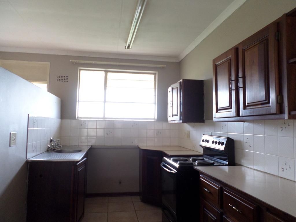 2 Bedroom Townhouse For Sale in Brackendowns