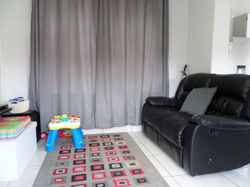 3 Bedroom House For Sale in Alberton North
