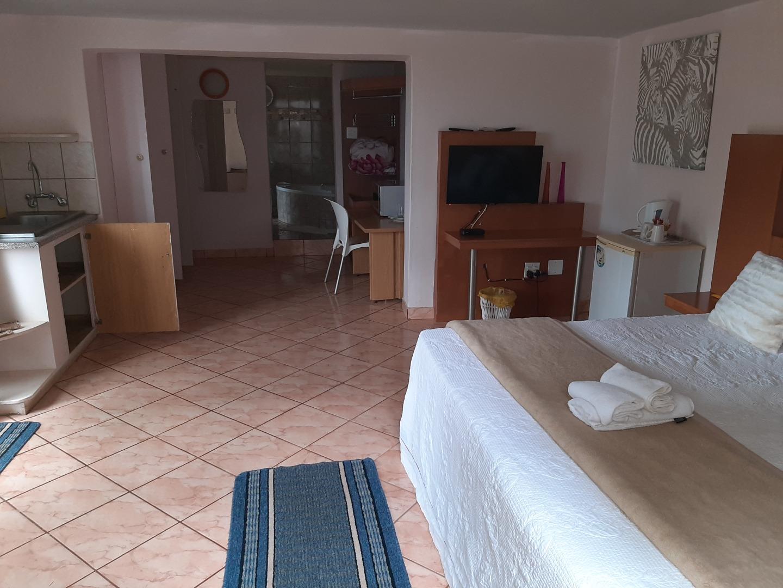 12 Bedroom House For Sale in Louis Trichardt