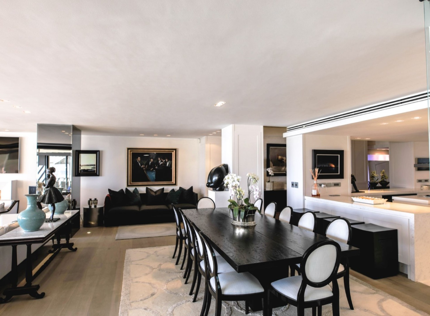 8 Bedroom Apartment / Flat For Sale in Clifton