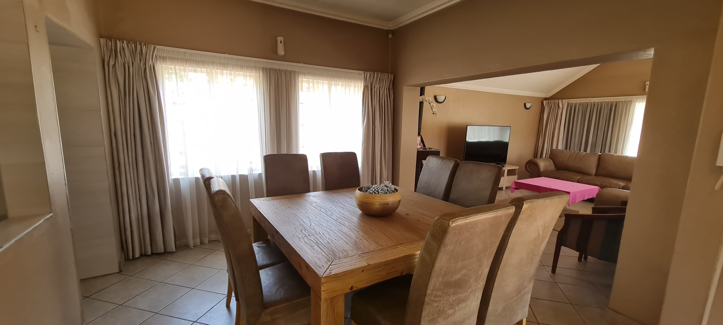 4 Bedroom House For Sale in Mondeor