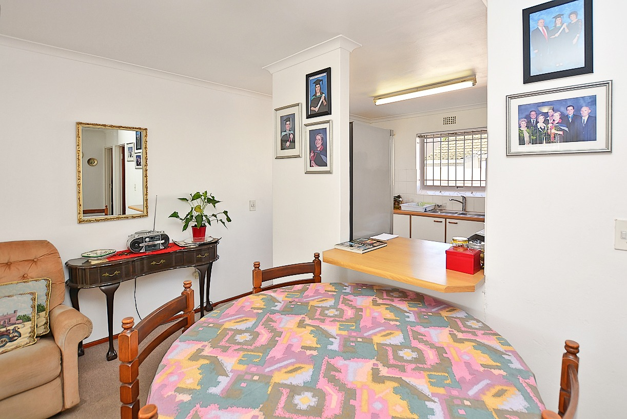 2 Bedroom House For Sale in Table View