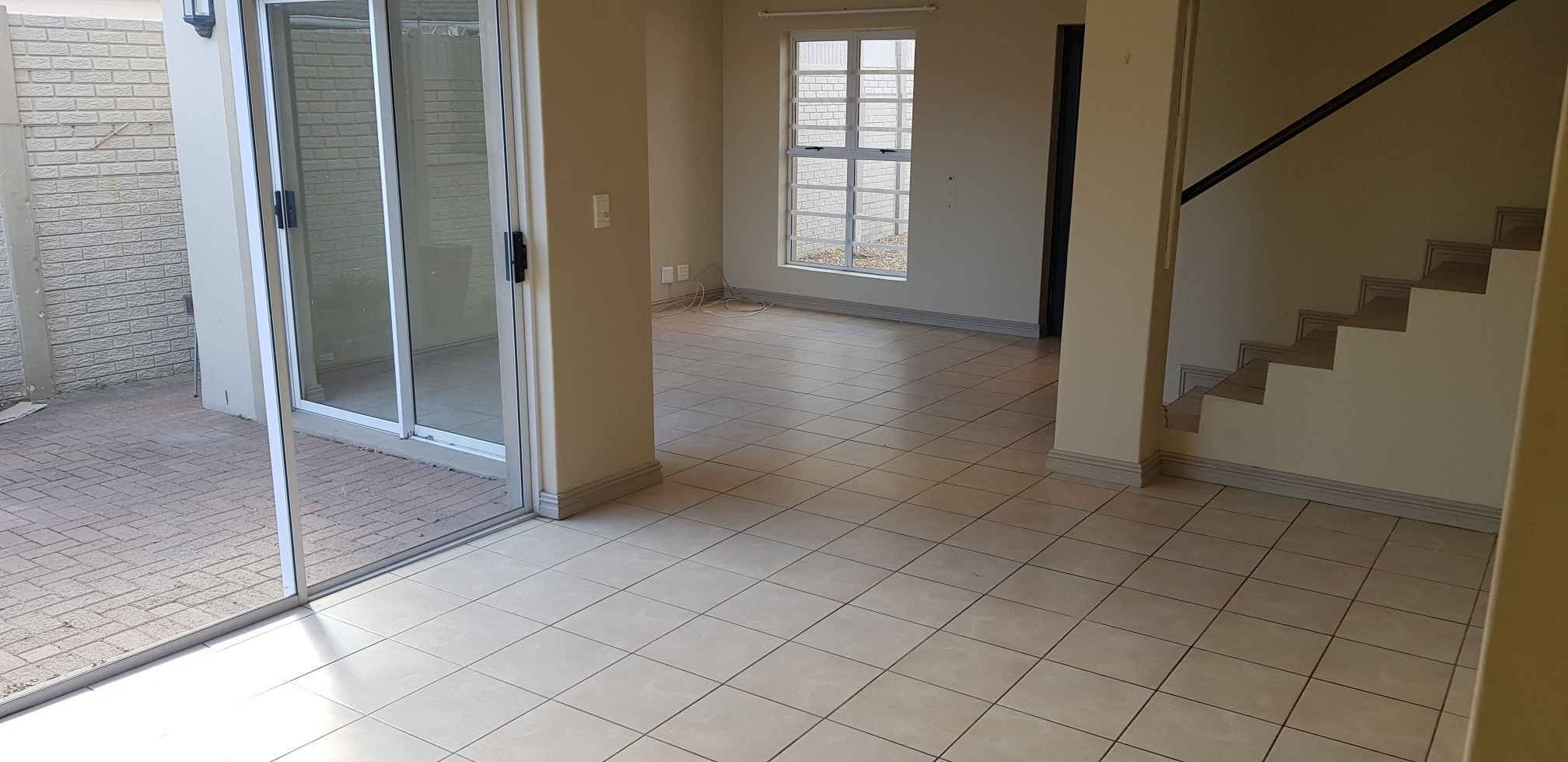 Commercial Property in Table View For Sale