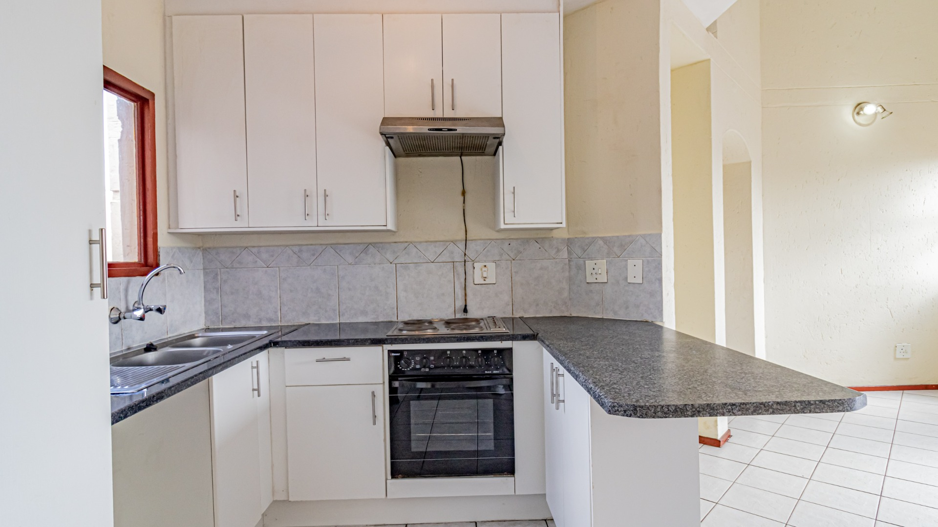 3 Bedroom Apartment / Flat For Sale in Bromhof