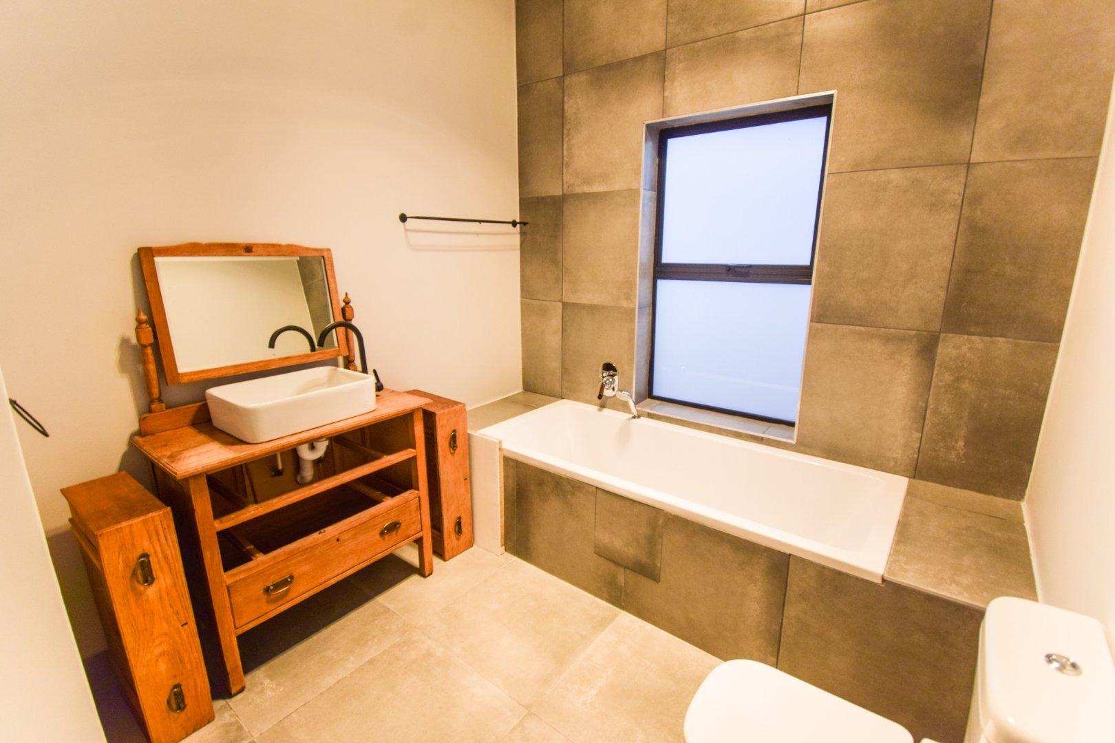 3 Bedroom House For Sale in Aan de Wijnlanden