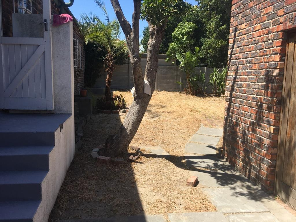 4 Bedroom House For Sale in Table View