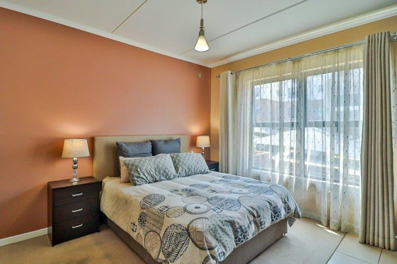 3 Bedroom Apartment / Flat For Sale in Olivedale