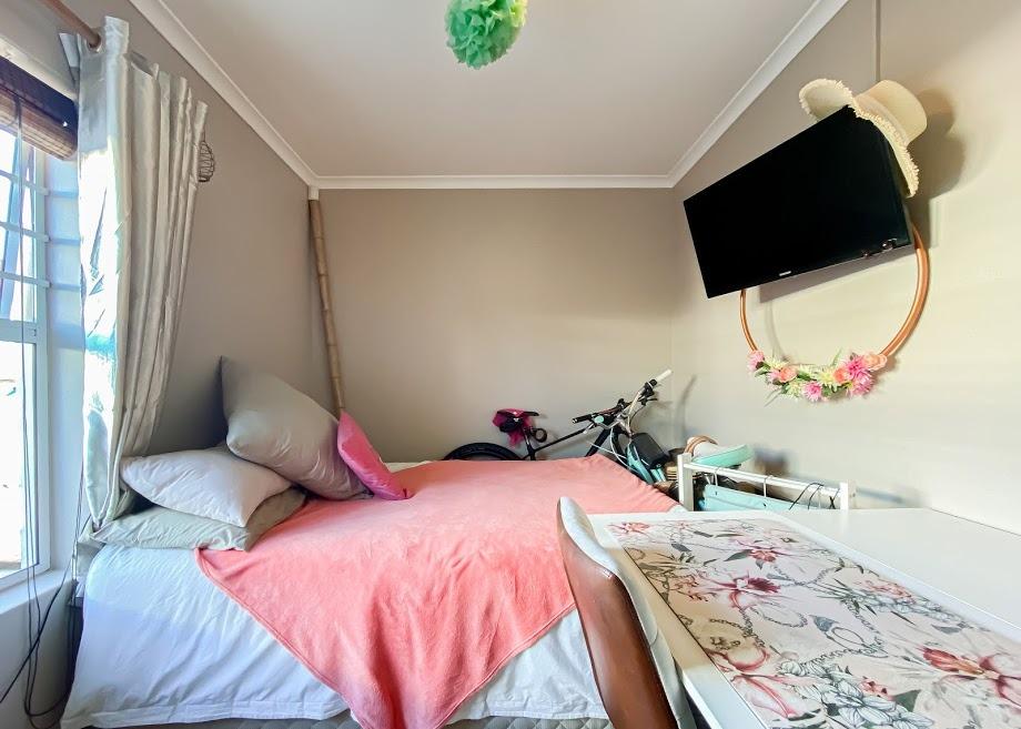 2 Bedroom House For Sale in Melkbosstrand Central