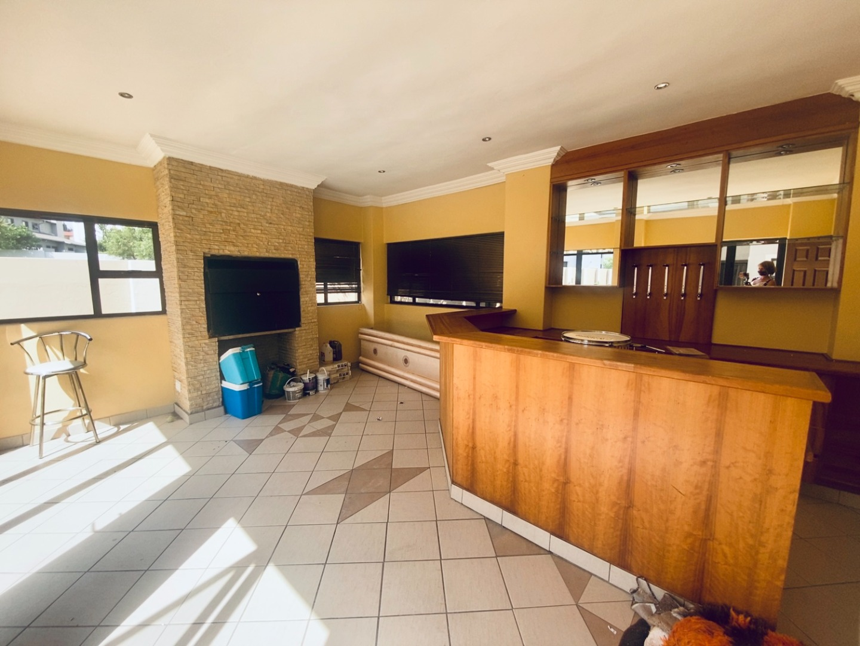 4 Bedroom House For Sale in Midlands Estate