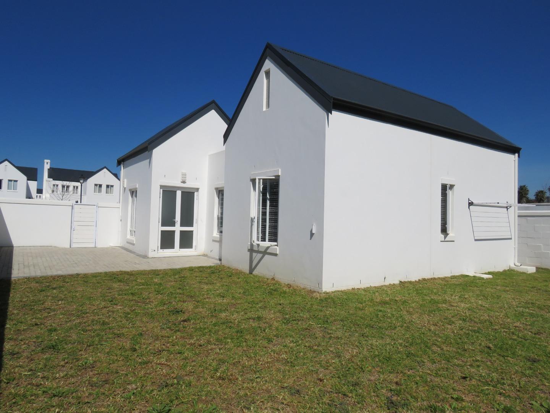 3 Bedroom House For Sale in Koelenbosch Country Estate