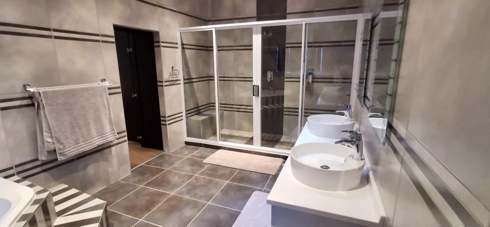 8 Bedroom House For Sale in Hartebeestfontein