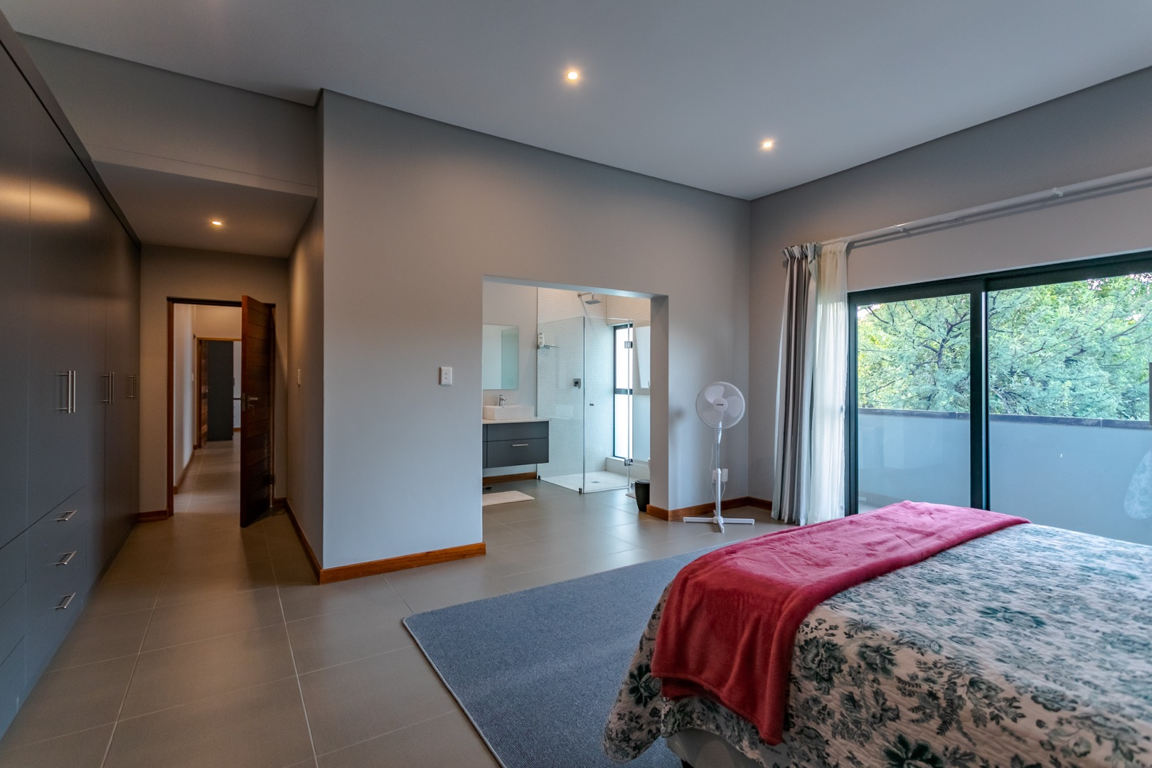 4 Bedroom House For Sale in The Ridge