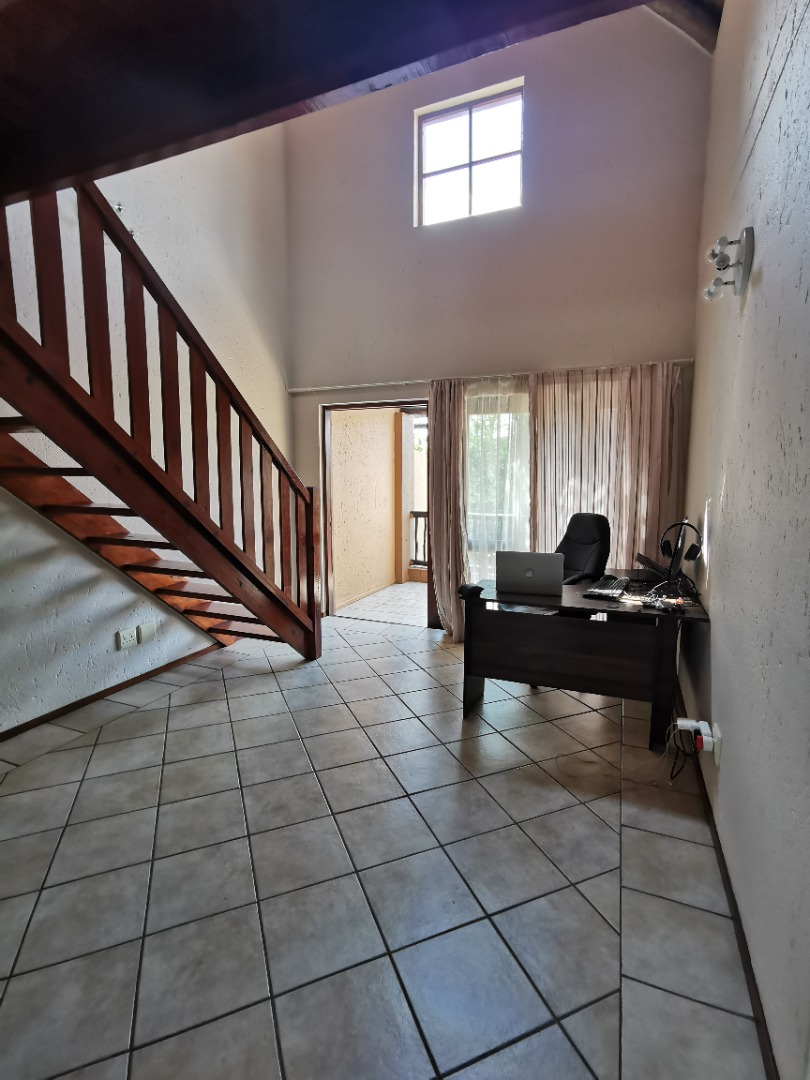 2 Bedroom Apartment / Flat For Sale in Lonehill