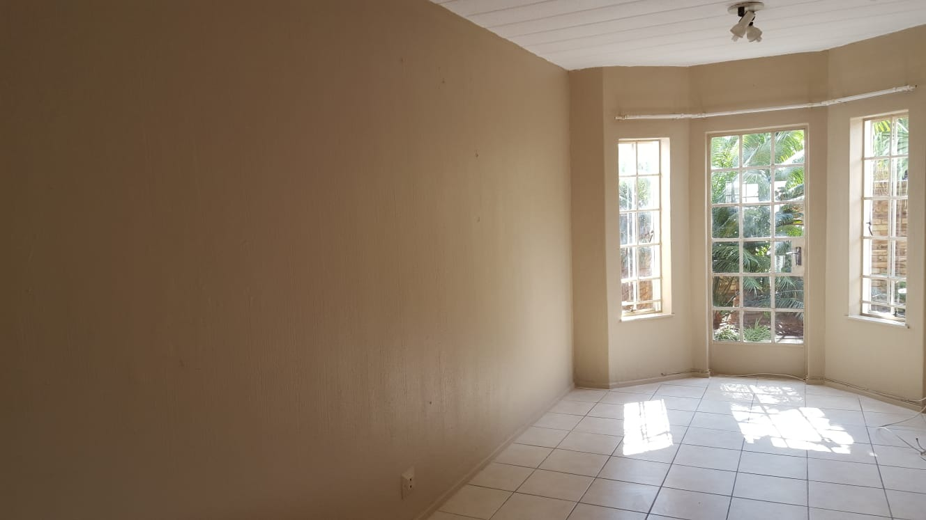 2 Bedroom Townhouse For Sale in Brackenhurst